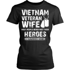 Proud Vietnam Veteran Wife T-shirt